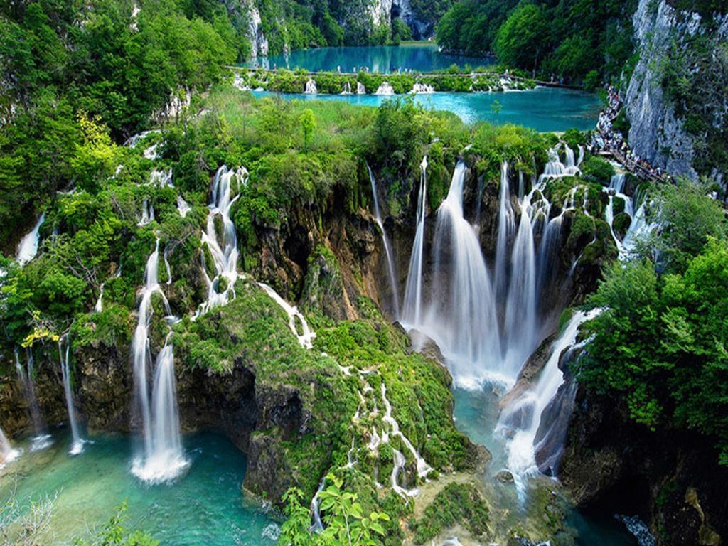 http://www.president-zagreb.com/mobile/wp-content/uploads/2016/01/Plitvice-Lakes-National-Park-Croatia.jpg
